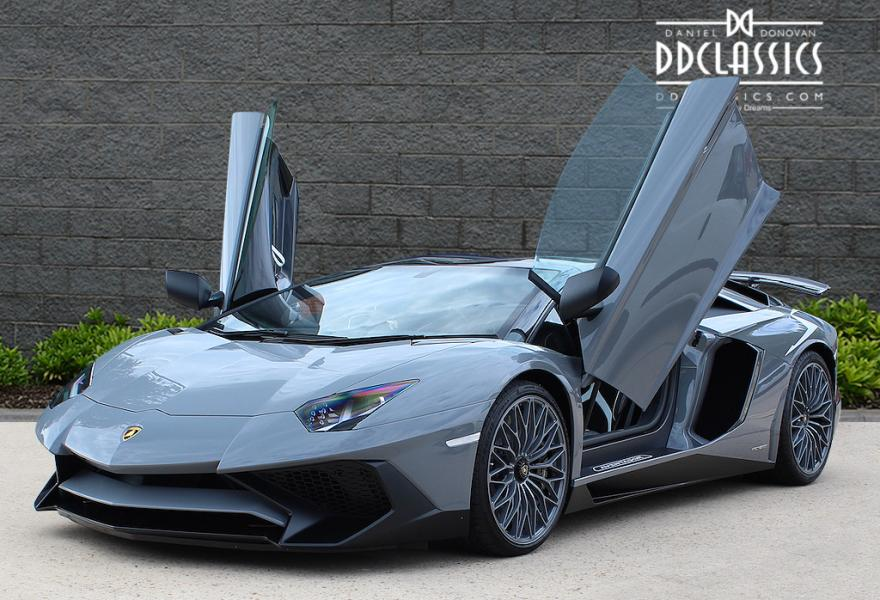 lamborghini aventador lp750 4 sv roadster luxury pulse. Black Bedroom Furniture Sets. Home Design Ideas