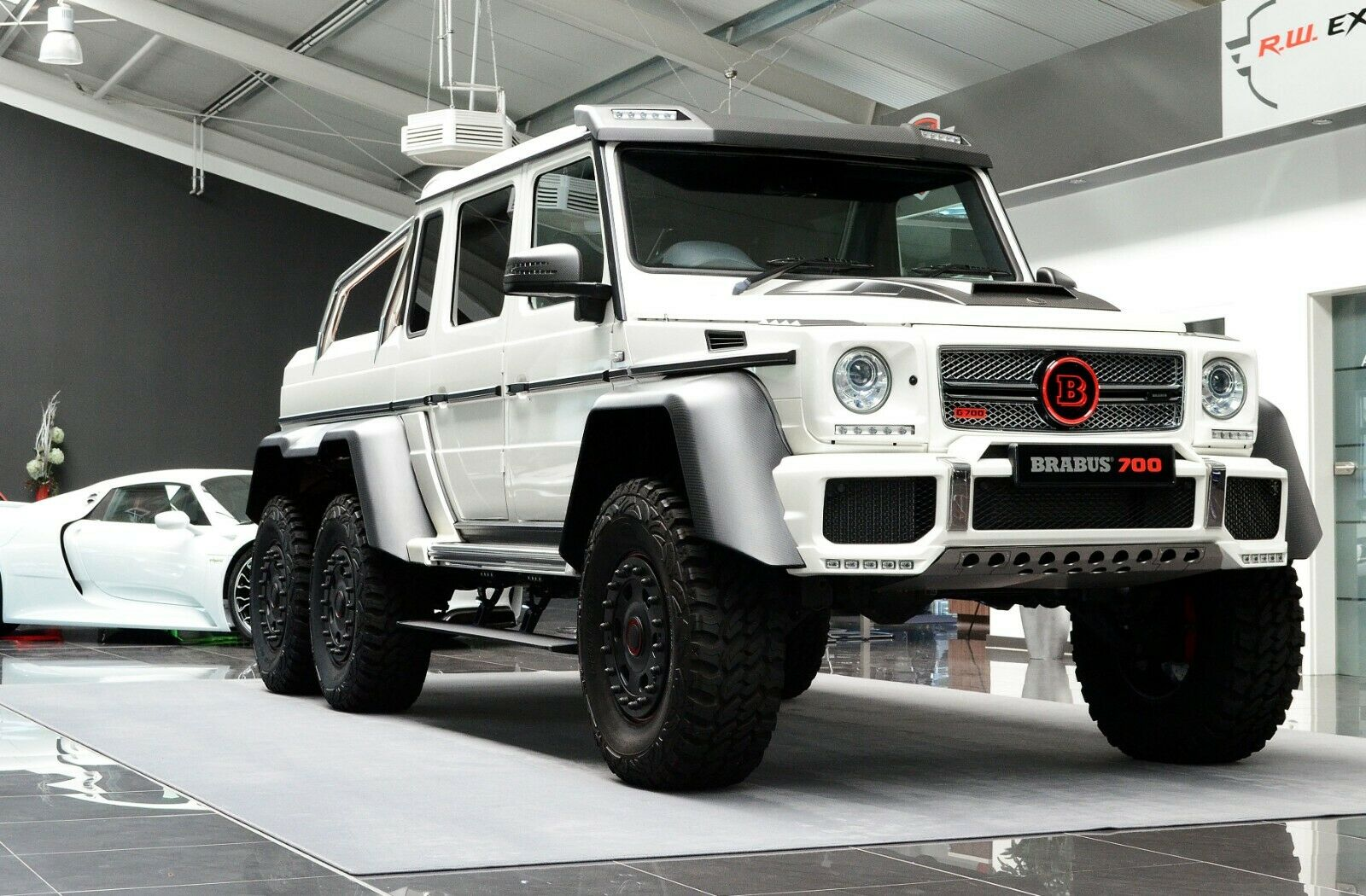 Mercedes Benz G 63 Amg 6x6 Brabus700 Luxury Pulse Cars Germany For Sale On Luxurypulse