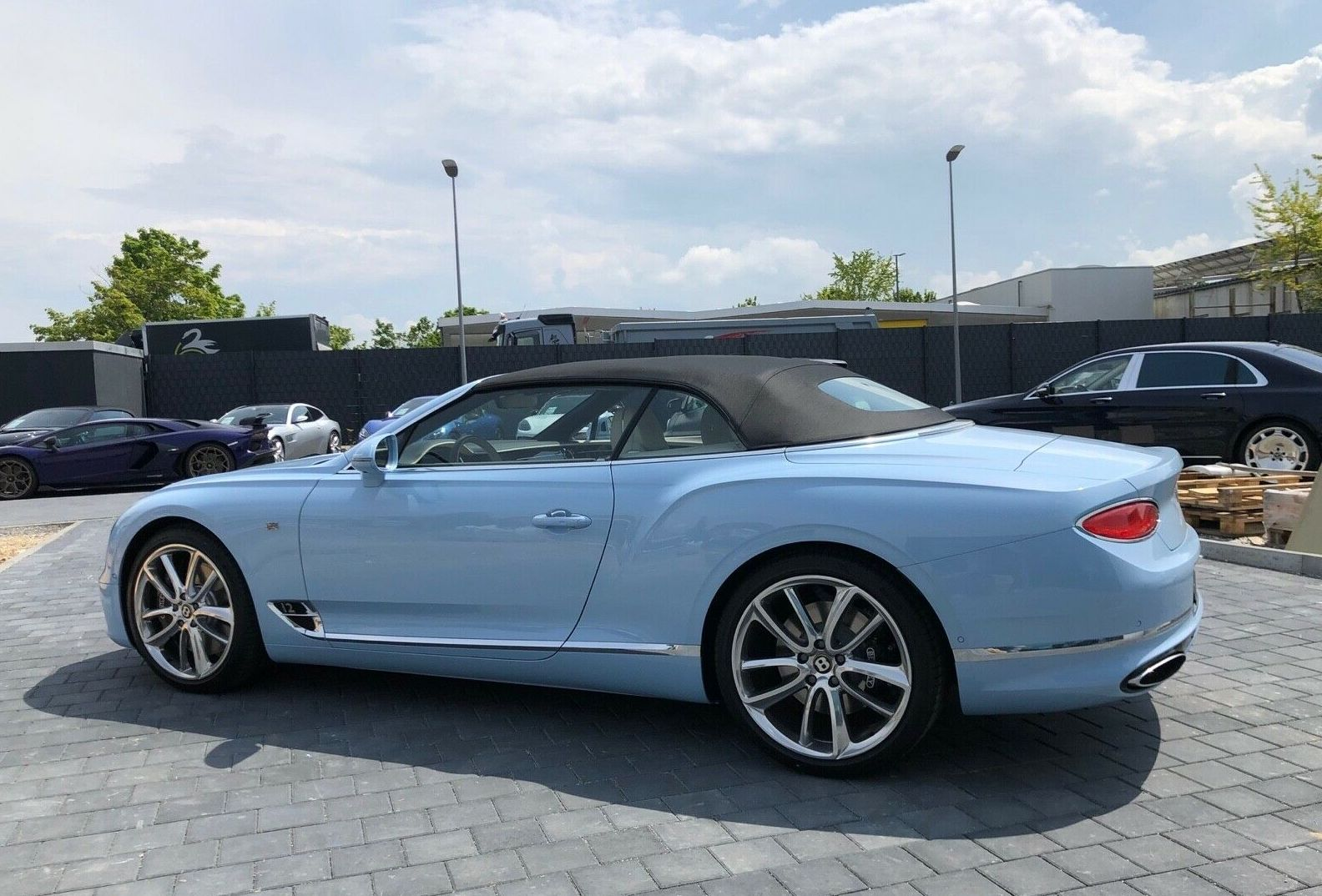 Bentley Continental Gtc W12 Luxury Pulse Cars Germany