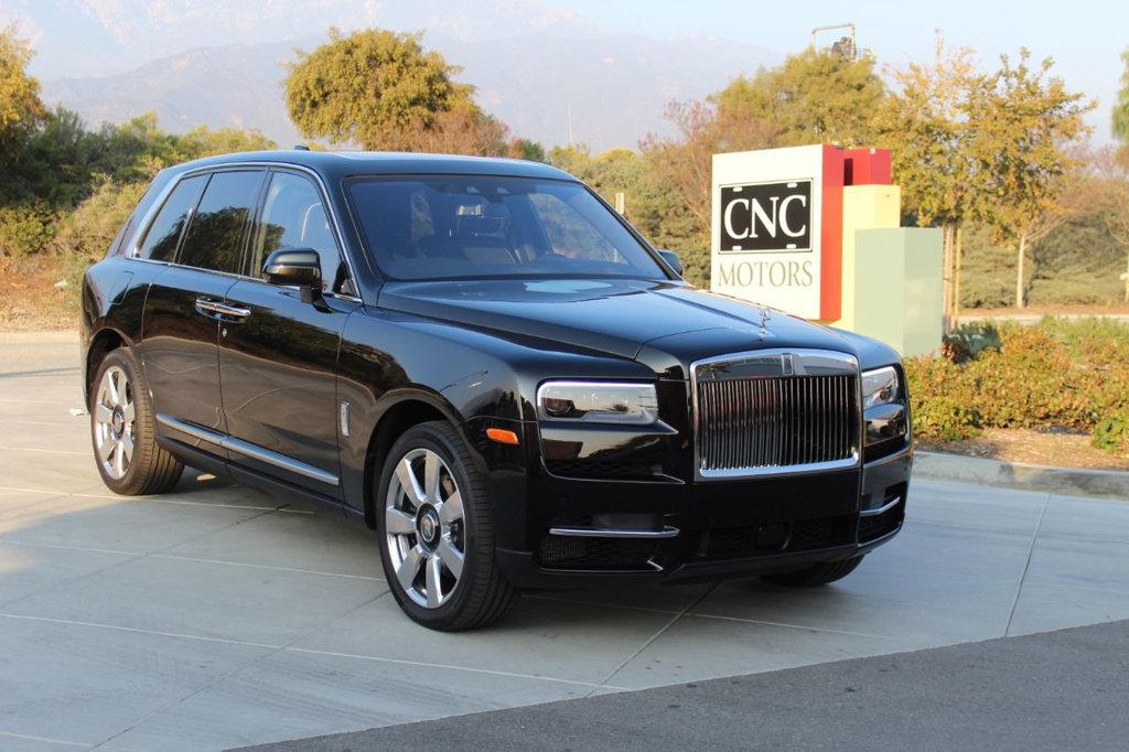 Rolls Royce Phantom Viii English White Iguazu Blue Luxury Pulse Cars Swaziland For Sale On Luxurypulse