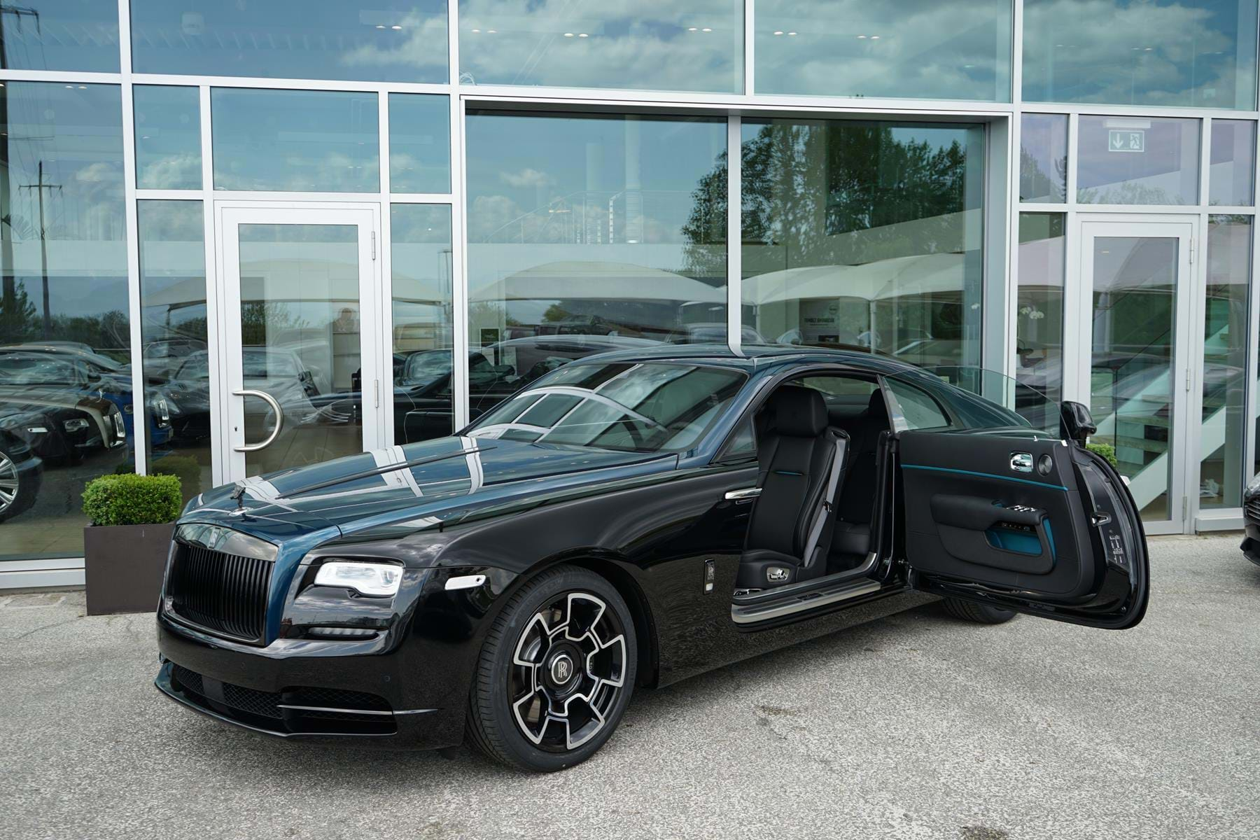 Rolls Royce Wraith Black Badge Adamas Collection One Of Fourty Pegasus Automotive Switzerland For Sale On Luxurypulse