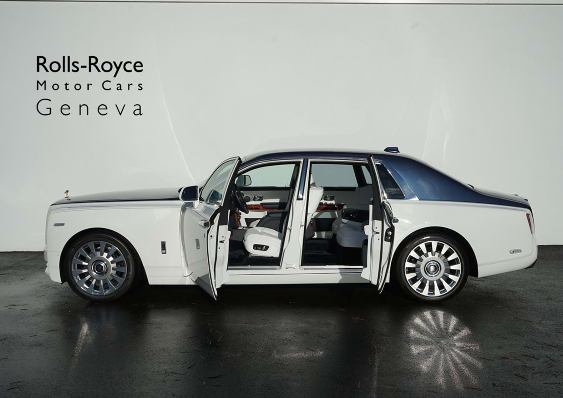 Rolls Royce Phantom Viii English White Iguazu Blue Pegasus Automotive Switzerland For Sale On Luxurypulse